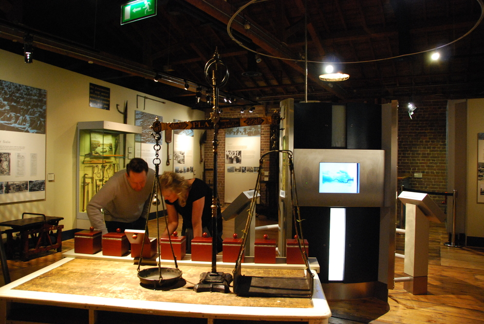D Exhibition Docklands : Museum of london docklands images tower hamlets