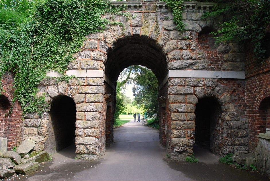 Kew Gardens and Kew Palace Tickets - Kew Gardens Sir William Chambers Roman Arch
