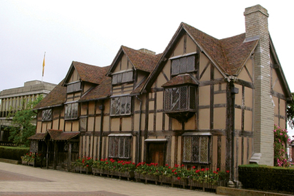 Oxford, Stratford, Cotswolds & Warwick Castle Coach Tour