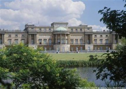 Buckingham Palace and Afternoon Tea at the DoubleTree Hilton